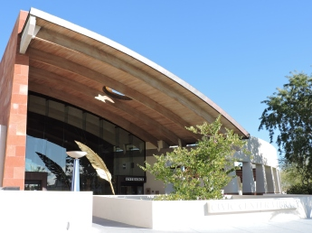 Civic_Center_Library_entrance,_Old_Town_Scottsdale_AZ